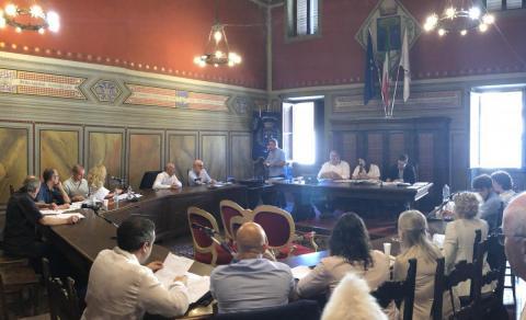 In diretta streaming lunedì 28 alle 18:00 il Consiglio Comunale. Ecco di cosa si discute.